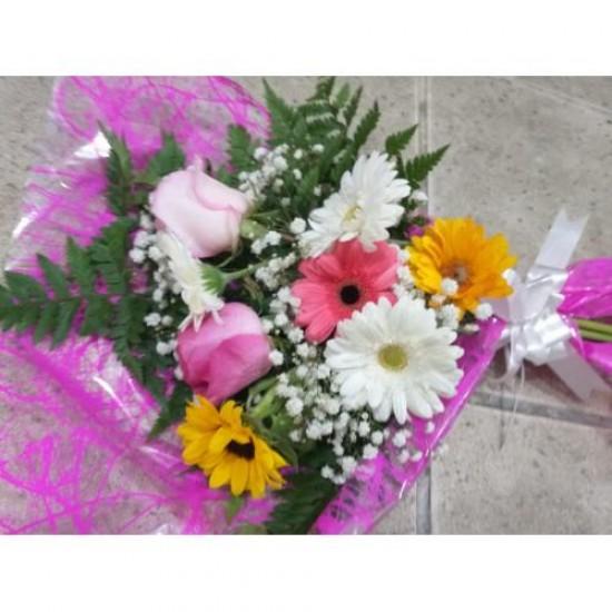 Buque Flores Variadas