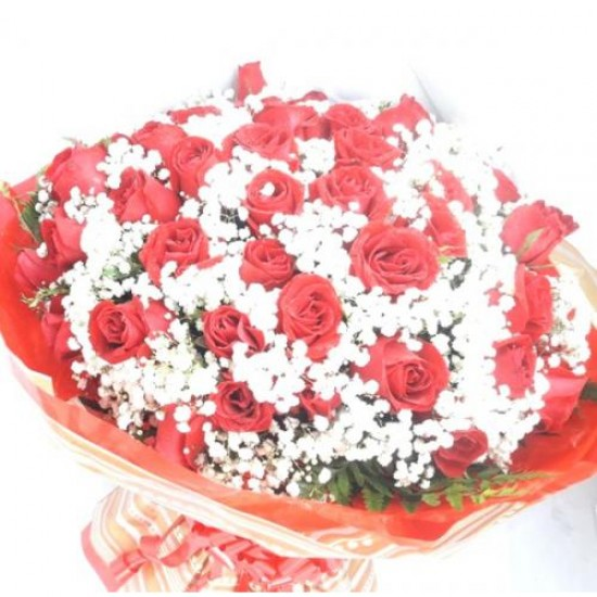 Buquê Gigante 50 Rosas Amor Incondicional