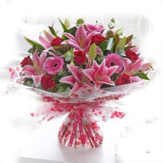 Buque Grande flores  Lirios, Gerbera e Rosa
