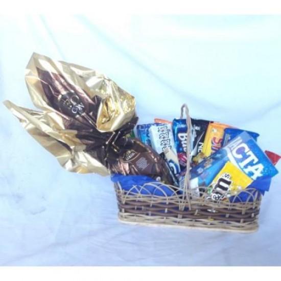 Cesta Pascoa Ovo e Chocolates Diversos